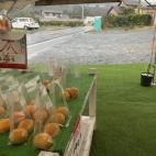 雨の直売所